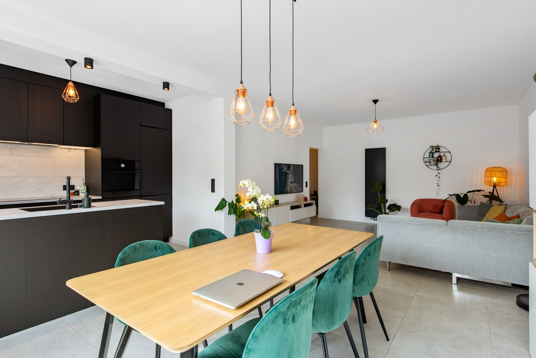 Trendy en stylish appartement met twee slaapkamers gelegen in een rustige straat te Brasschaat. afbeelding 5