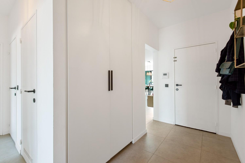 Trendy en stylish appartement met twee slaapkamers gelegen in een rustige straat te Brasschaat. afbeelding 8