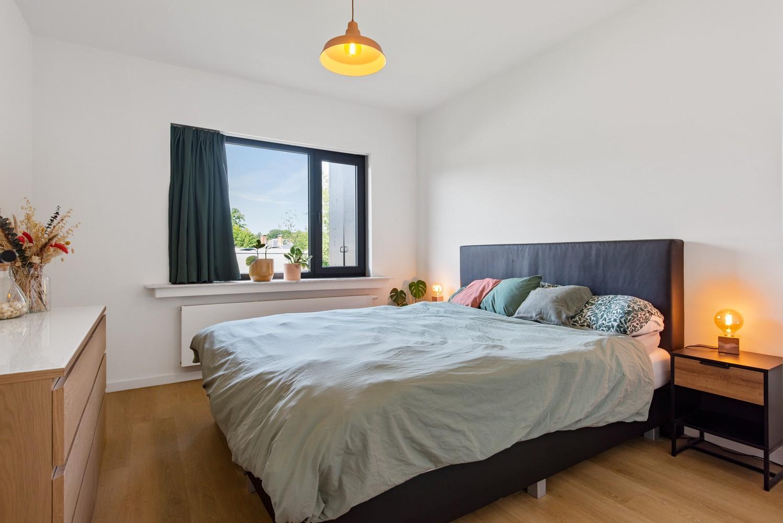 Trendy en stylish appartement met twee slaapkamers gelegen in een rustige straat te Brasschaat. afbeelding 9