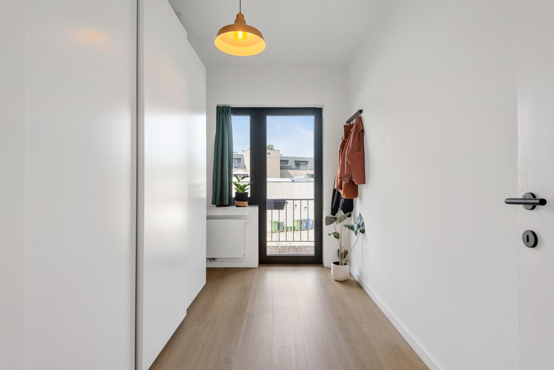 Trendy en stylish appartement met twee slaapkamers gelegen in een rustige straat te Brasschaat. afbeelding 12