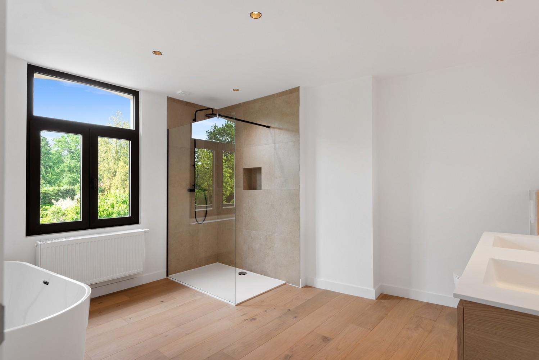Volledig gerenoveerde woning met 3 slaapkamers op een gunstige locatie in Brasschaat! afbeelding 10