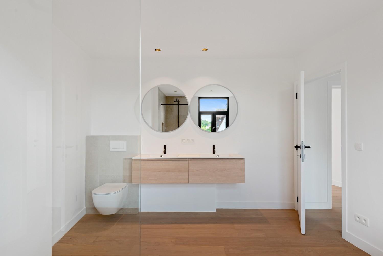 Volledig gerenoveerde woning met 3 slaapkamers op een gunstige locatie in Brasschaat! afbeelding 11