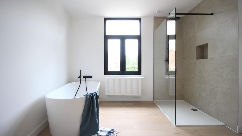 Volledig gerenoveerde woning met 3 slaapkamers op een gunstige locatie in Brasschaat! afbeelding 13