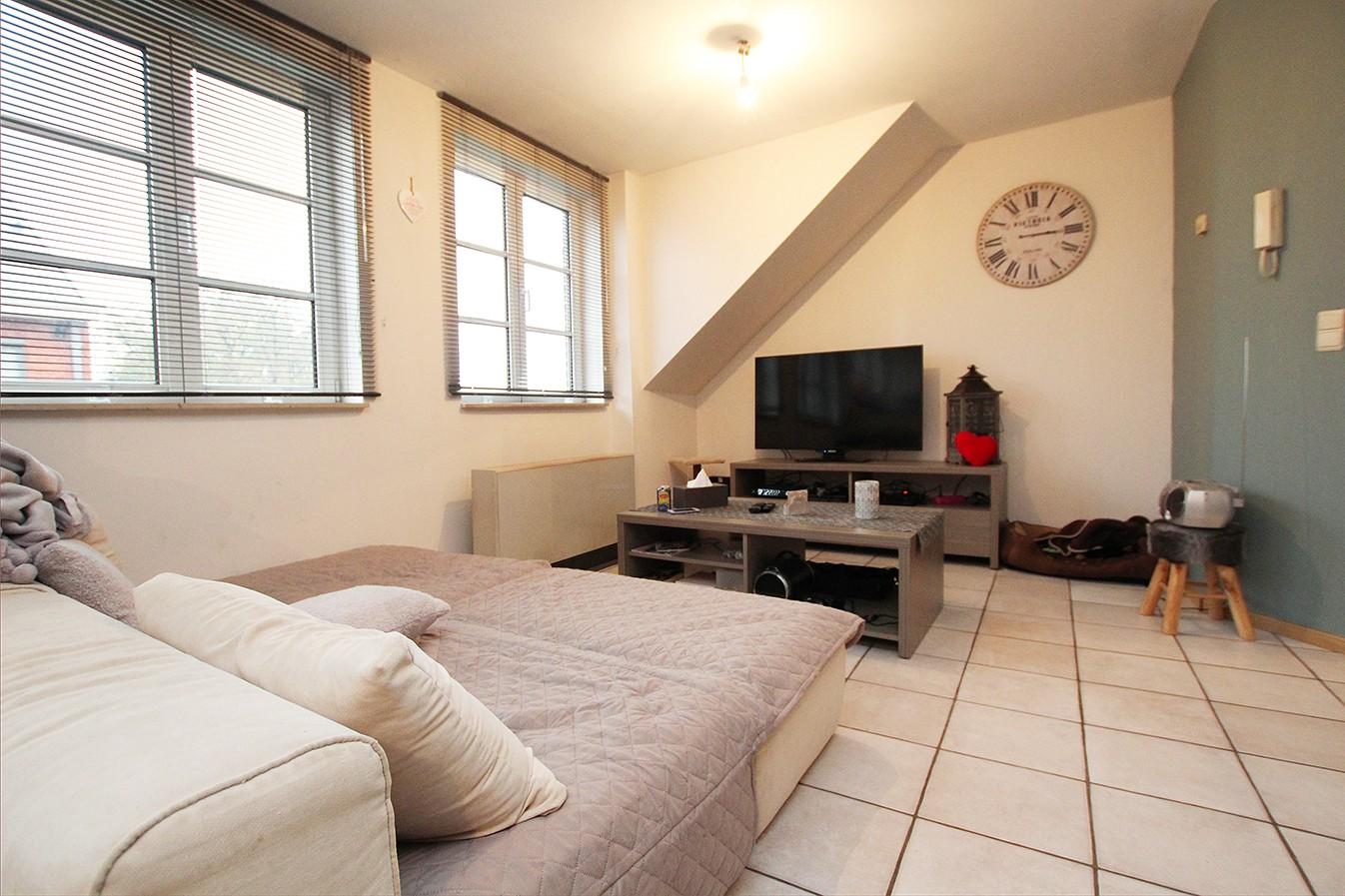 Dakappartement met twee slaapkamers en ruim terras (27m²) in de dorpskern van Broechem! afbeelding 1