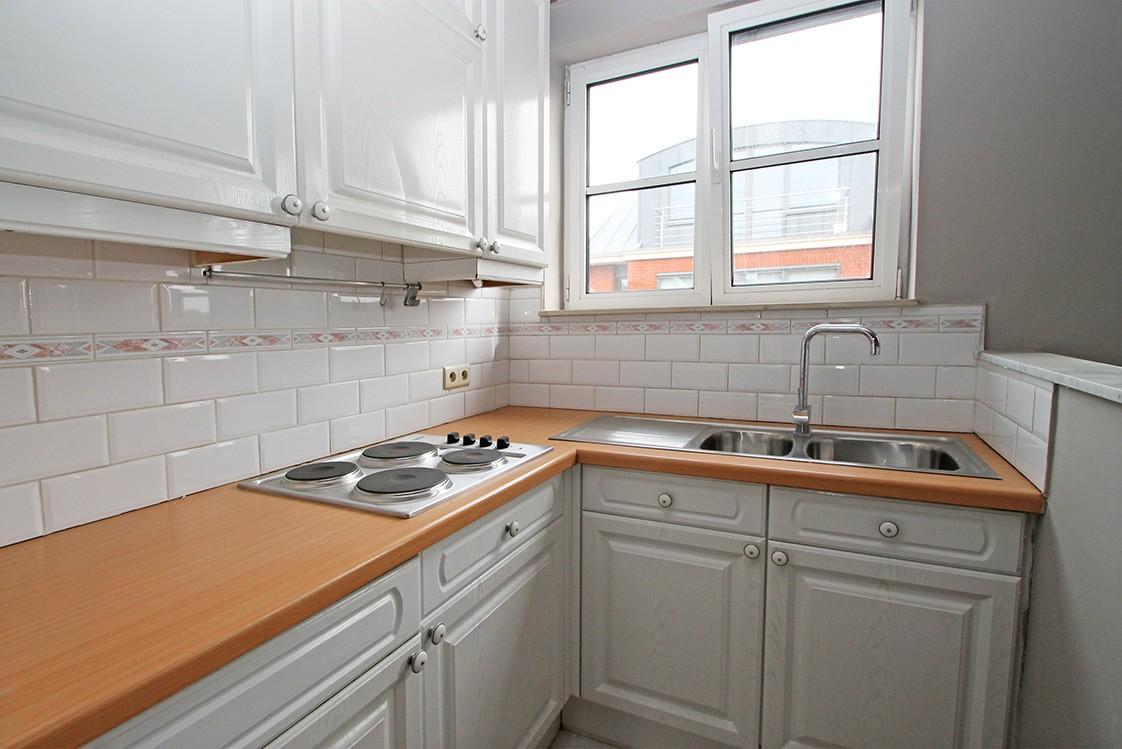 Dakappartement met twee slaapkamers en ruim terras (27m²) in de dorpskern van Broechem! afbeelding 6