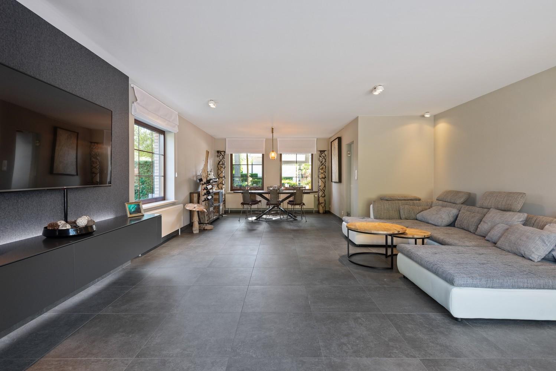 Luxueus afgewerkte woning op een rustige, groene locatie in Hoboken! afbeelding 4
