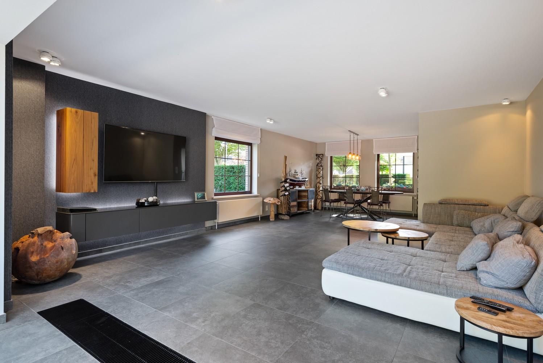 Luxueus afgewerkte woning op een rustige, groene locatie in Hoboken! afbeelding 5