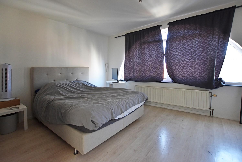 Woning/duplex-appartement met drie slaapkamers en een riant terras. afbeelding 9