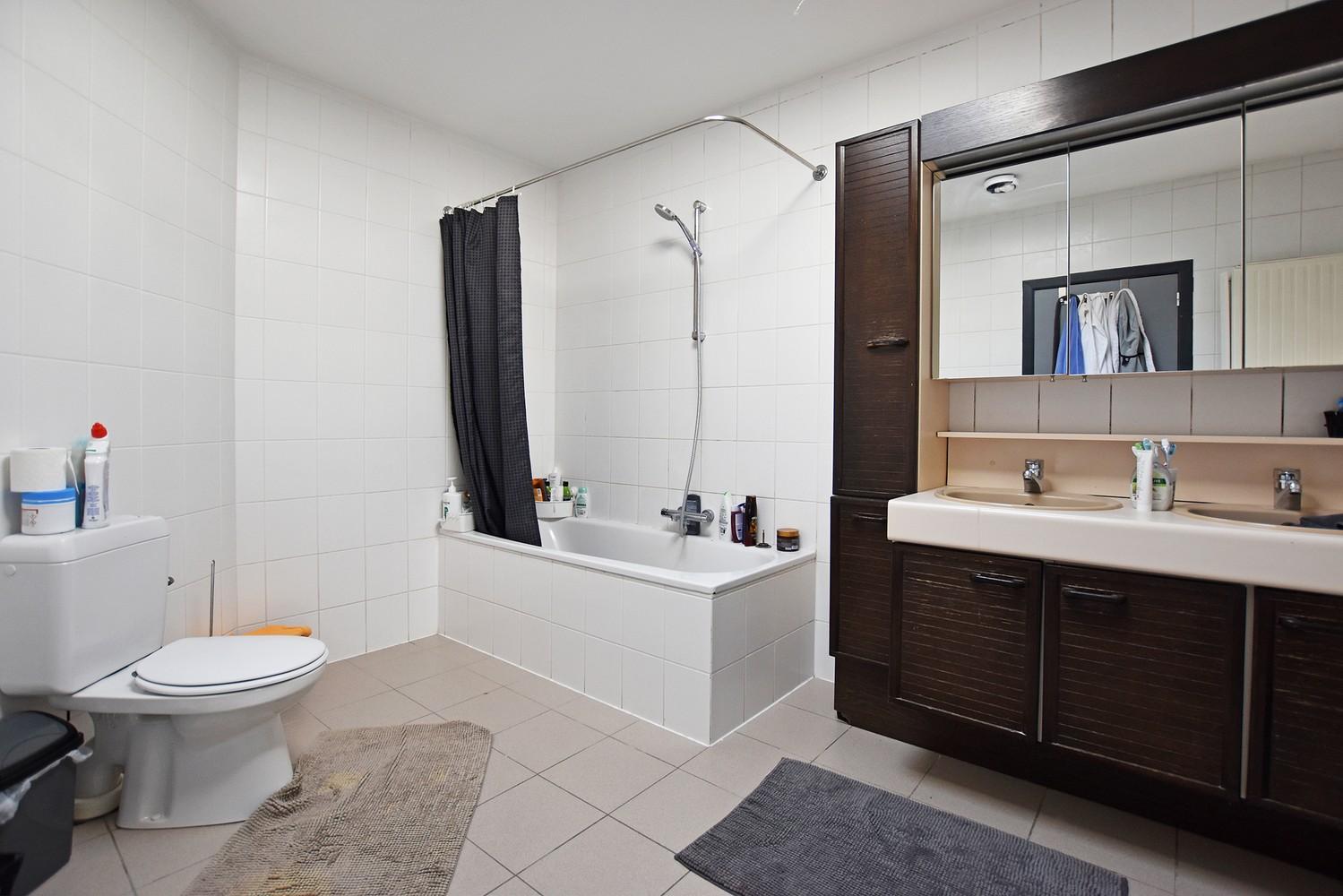 Woning/duplex-appartement met drie slaapkamers en een riant terras. afbeelding 11