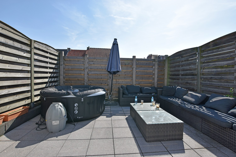 Woning/duplex-appartement met drie slaapkamers en een riant terras. afbeelding 2