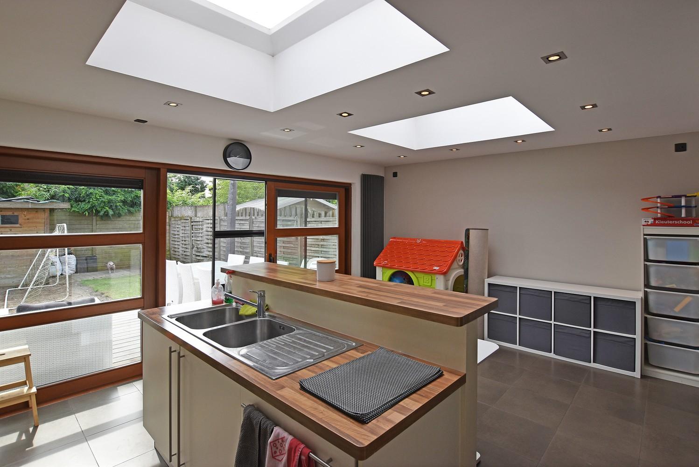 Mooie woning met drie slaapkamers en zonnige tuin te Schoten. afbeelding 5