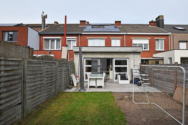 Mooie woning met drie slaapkamers en zonnige tuin te Schoten. afbeelding 17