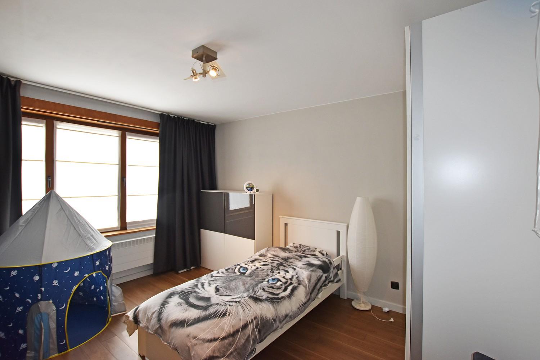 Mooie woning met drie slaapkamers en zonnige tuin te Schoten. afbeelding 10