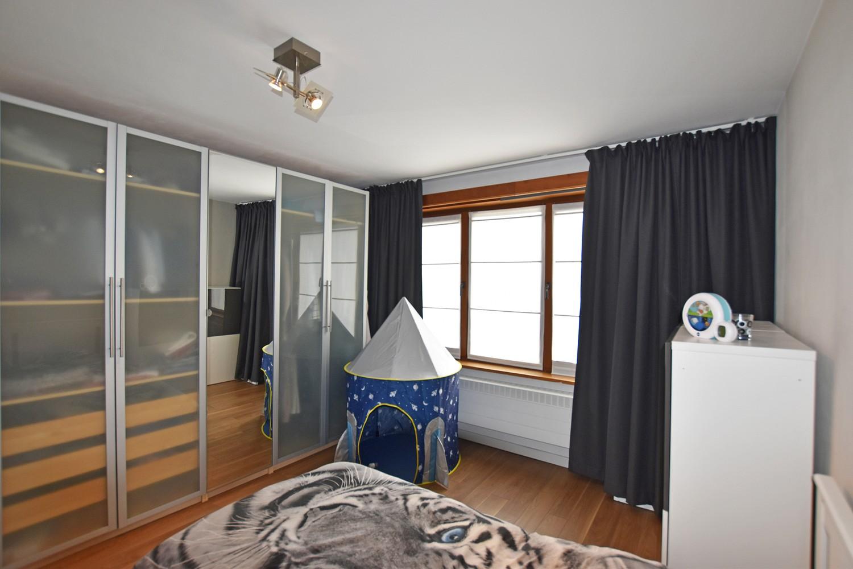 Mooie woning met drie slaapkamers en zonnige tuin te Schoten. afbeelding 9