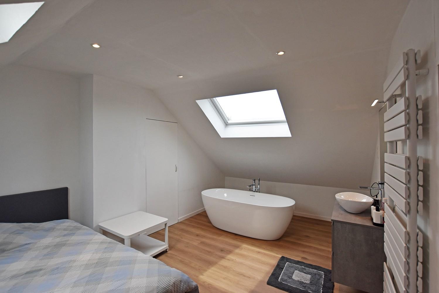 Mooie woning met drie slaapkamers en zonnige tuin te Schoten. afbeelding 15
