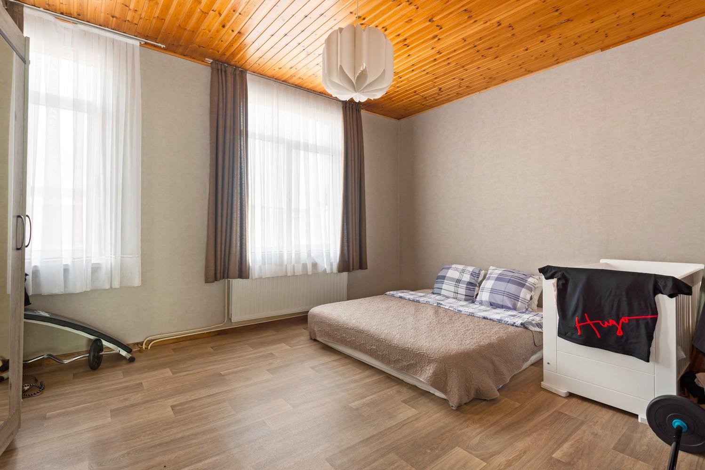 Rustig gelegen, op te frissen eengezinswoning met twee slaapkamers en leuke tuin te Wijnegem. afbeelding 11