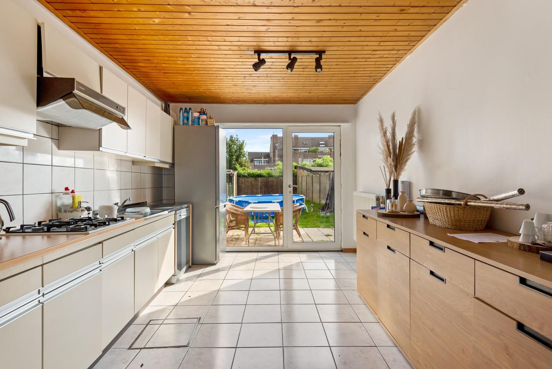 Rustig gelegen, op te frissen eengezinswoning met twee slaapkamers en leuke tuin te Wijnegem. afbeelding 6
