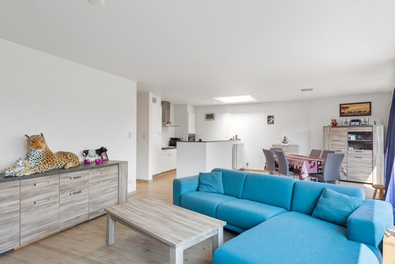 Ruim, recent appartement met 3 slpk & zonnig terras in het centrum van Zandhoven afbeelding 4