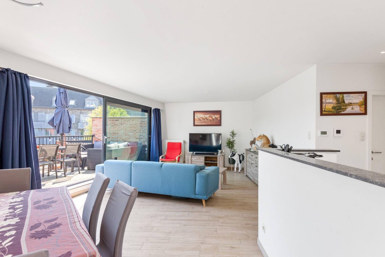 Ruim, recent appartement met 3 slpk & zonnig terras in het centrum van Zandhoven afbeelding 6