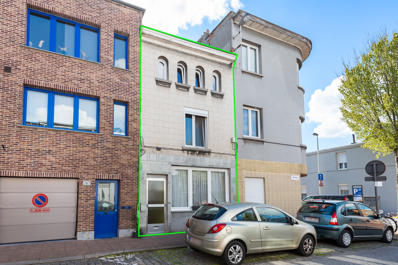 Op te frissen eengezinswoning met drie slaapkamers en buitenruimte te Deurne. afbeelding 20
