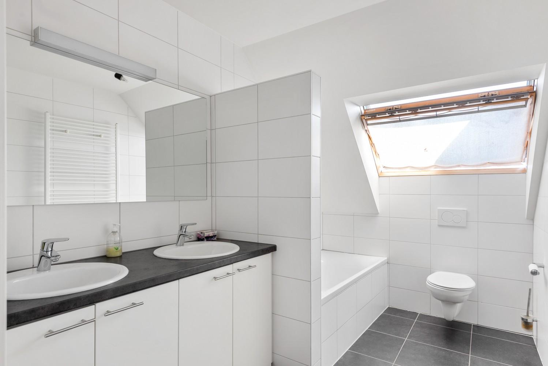 Modern éénslaapkamerappartement met zonnig terras in hartje Zandhoven! afbeelding 6