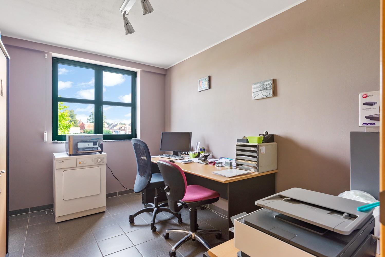 Riant appartement (157 m²) met groot dakterras te Kapellen! afbeelding 10