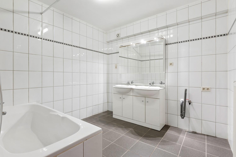 Ruim appartement (101 m²) met groot dakterras te Kapellen! afbeelding 9