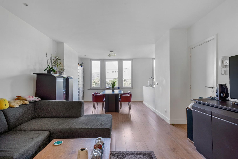 Modern, recent gerenoveerd appartement op een levendige locatie te Berchem. afbeelding 8