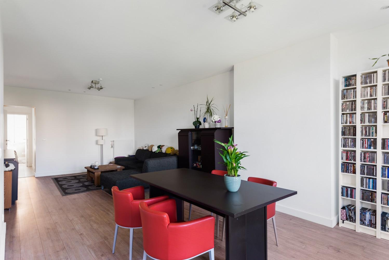 Modern, recent gerenoveerd appartement op een levendige locatie te Berchem. afbeelding 6