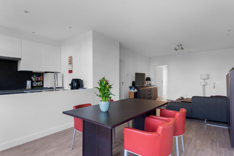 Modern, recent gerenoveerd appartement op een levendige locatie te Berchem. afbeelding 7