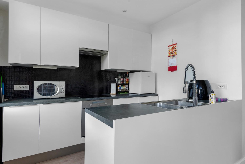 Modern, recent gerenoveerd appartement op een levendige locatie te Berchem. afbeelding 4