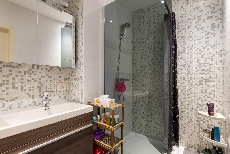 Modern, recent gerenoveerd appartement op een levendige locatie te Berchem. afbeelding 11