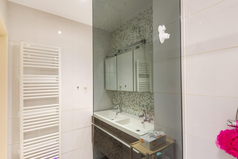 Modern, recent gerenoveerd appartement op een levendige locatie te Berchem. afbeelding 12