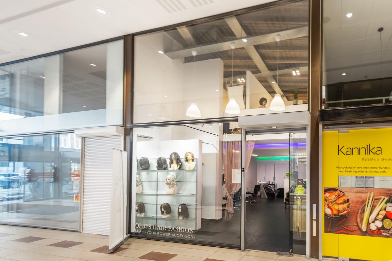Winkelruimte/praktijk/kantoor (73 m²) in de bruisende Diamantwijk van Antwerpen. afbeelding 2