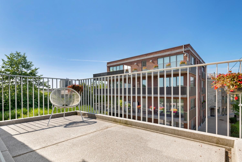 Lichtrijk hoekappartement met 2 slpk, zonnig terras & staanplaats afbeelding 15