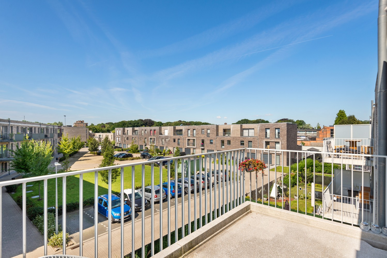 Lichtrijk hoekappartement met 2 slpk, zonnig terras & staanplaats afbeelding 16
