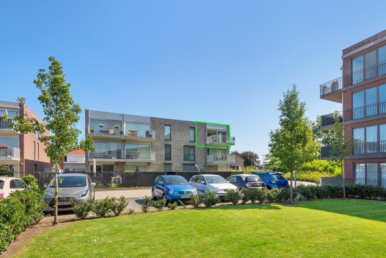 Lichtrijk hoekappartement met 2 slpk, zonnig terras & staanplaats afbeelding 2