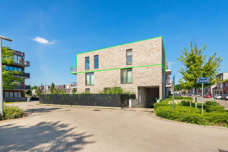 Lichtrijk hoekappartement met 2 slpk, zonnig terras & staanplaats afbeelding 1