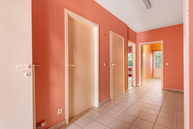 Te renoveren bel-étage woning met 3 slaapkamers te Kapellen. afbeelding 4