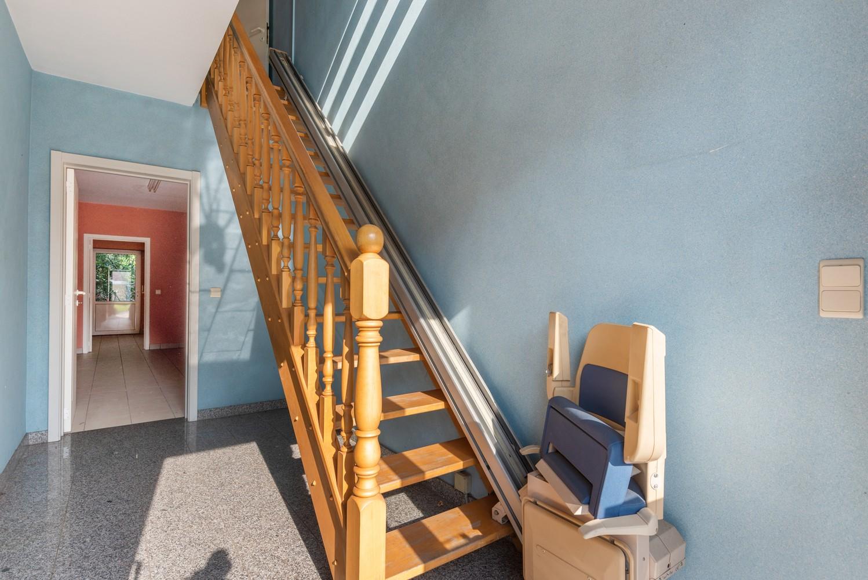 Te renoveren bel-étage woning met 3 slaapkamers te Kapellen. afbeelding 2