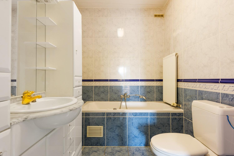 Te renoveren bel-étage woning met 3 slaapkamers te Kapellen. afbeelding 19