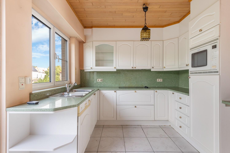 Te renoveren bel-étage woning met 3 slaapkamers te Kapellen. afbeelding 12