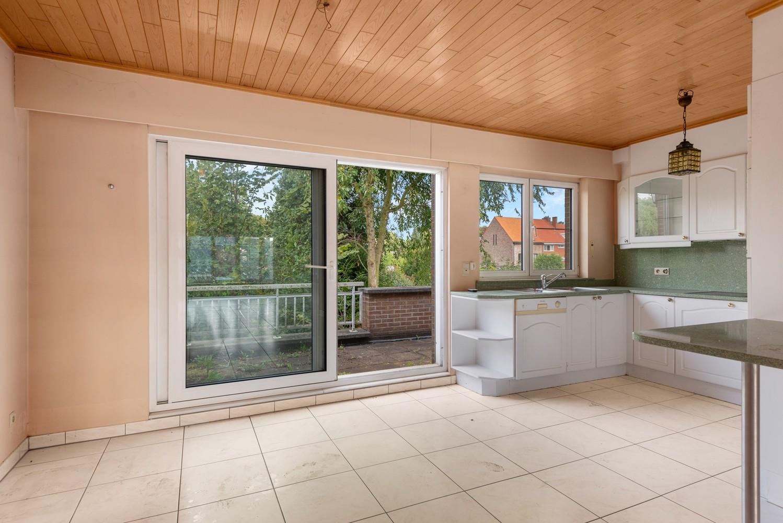 Te renoveren bel-étage woning met 3 slaapkamers te Kapellen. afbeelding 11
