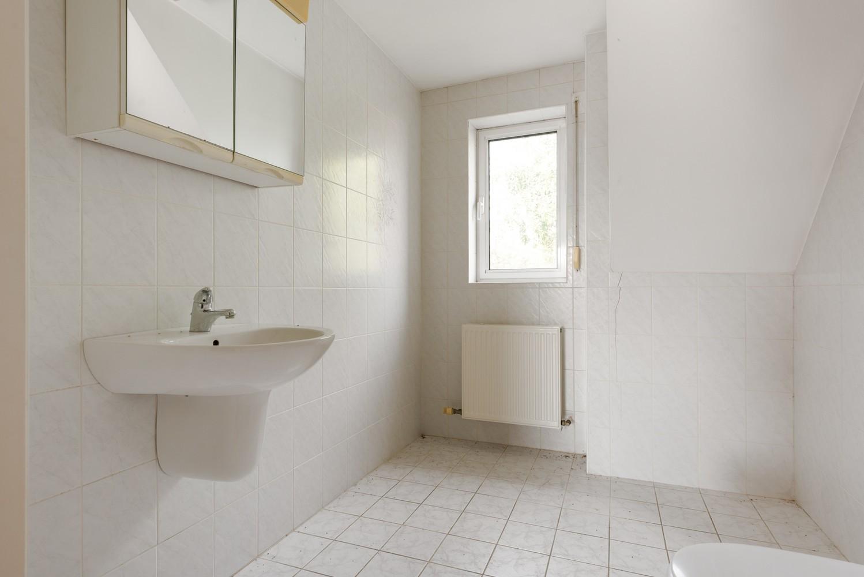 Te renoveren bel-étage woning met 3 slaapkamers te Kapellen. afbeelding 23