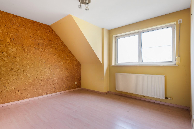 Te renoveren bel-étage woning met 3 slaapkamers te Kapellen. afbeelding 24