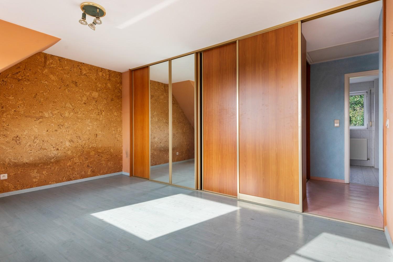 Te renoveren bel-étage woning met 3 slaapkamers te Kapellen. afbeelding 22