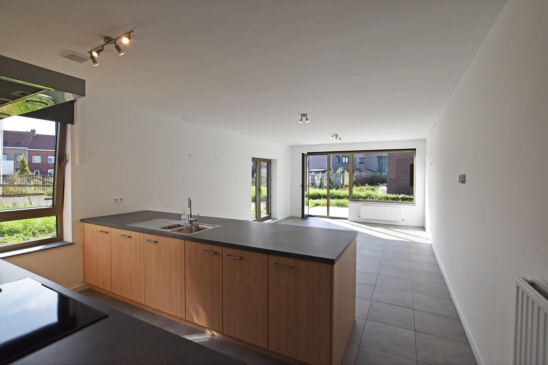 Prachtig gelijkvloers appartement met twee slaapkamers en tuin te Wommelgem! afbeelding 2