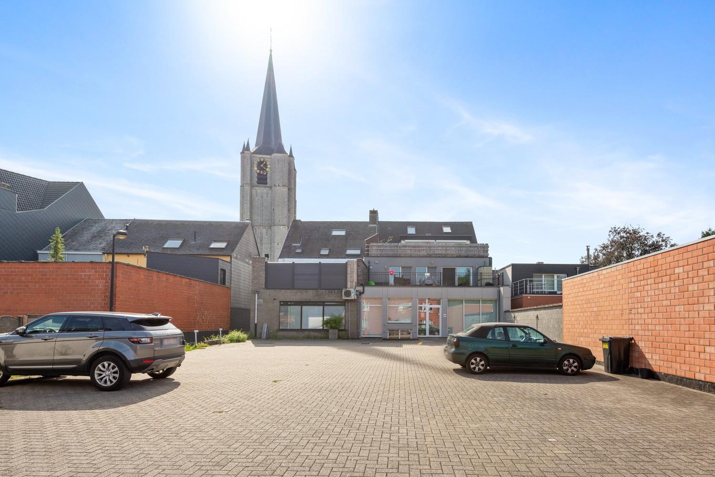 Gunstig gelegen & ruime handelsgelijkvloers met parkeerplaats in hartje Wommelgem! afbeelding 13