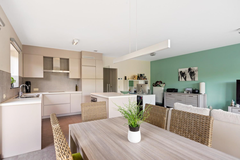 Modern gelijkvloers appartement met leuke tuin, 2 slaapkamers en autostaanplaats in Wommelgem! afbeelding 9