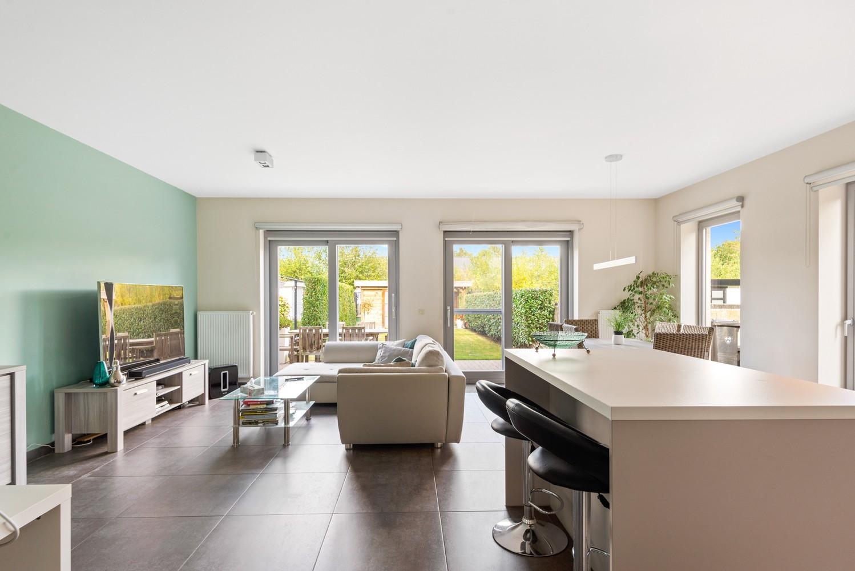Modern gelijkvloers appartement met leuke tuin, 2 slaapkamers en autostaanplaats in Wommelgem! afbeelding 2